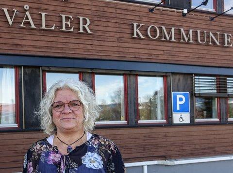LEDET SIKKERT: Fungerende Våler-ordfører May-Liss Sæterdalen styrte kommunestyret stødig gjennom en vanskelig sak.