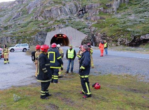 VENTER PÅ UTBEDRING: - Tunnelene mellom Skjåk og Stryn er noe av det verste vi kan tenke oss. Dagens situasjon er svært kritisk, sier Atle Festervoll, brannsjef i Lom og Skjå Brannvesen. Bildet er fra en øving i 2015.