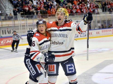 Lillehammer IK har hatt mye å juble for så langt denne sesongen. Her jubler Juliuz Persson og Joakim Eidsa Arnestad etter scoring mot Grüner.