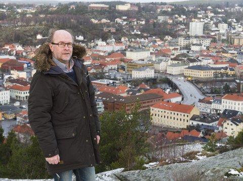 LEVER: – Sentrumsplanen lever i beste velgående, og til møtet 27. oktober vil formannskapet få de utredningene om blant annet høyde på bygninger de har bedt om, sier Espen Sørås.