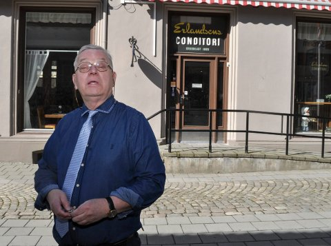OVERTAR: Sverre Stang forlater Torget og overtar Erlandsens Conditori fra 15. september. - Jeg grugleder meg, sier han.