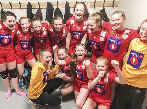 VANT SERIEN: Mosjøen J14 2 slo Bossmo/Ytteren 11–9 på Ytteren og vant serien. Nå venter sluttspillet i Trondheim i april. Foto: Privat
