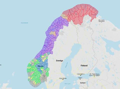 De gråe kommuner i Sør-Norge betaler 14,1% i arbeidsgiveravgift i dag, alle andre farger betaler et sted mellom 10,1 og 0%. Unge Høyre vil nå at alle skal betale 13%.