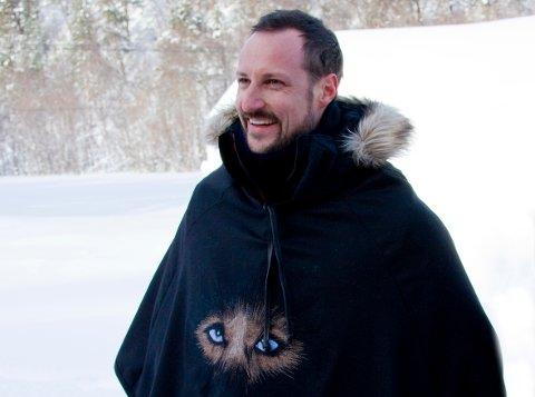 10 ÅR SIDEN SIST: Kronprinsen under sitt besøk til Finnmarksløpet i 2010.