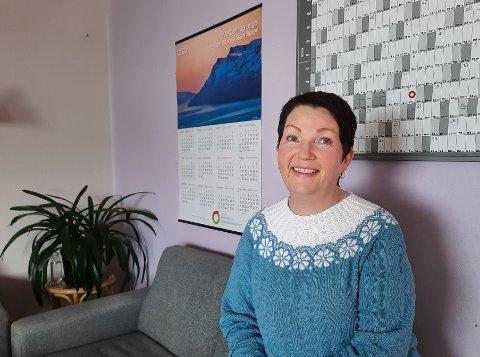 GLEDER SEG: Rektor Sissel Mortensen ved Gamvik skole gleder seg til elevene kommer tilbake til skolen, og hun gleder seg til ny og utfordrende jobb på Berlevåg skole.