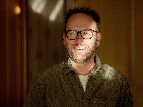 KLAR FOR FESTIVAL: Sigvart Dagsland er en av de mer meritterte artistene som spiller på årets Bakgårdsfestival. Han har tette bånd til Levanger.
