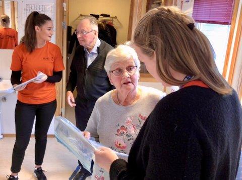 HJELP: Inderøy kommune har fått en henstilling fra HUNT om å hjelpe 450 eldre i kommunen med å fylle ut og sende inn en ny spørreundersøkelse som skal kartlegge konsekvensen for eldre under koronapandemien.