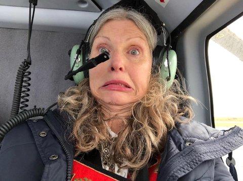 HJELPE OG TRØSTE: Rett før take off - har hatt det bedre. Men tok en selfie, sånn for sikkerhets skyld.