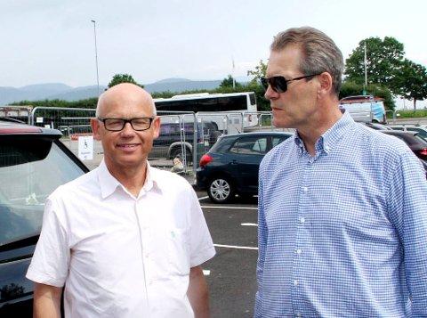 UENIGE: Fylkestingspolitiker Hans Hilding Hønsvall (KrF, til venstre) vil vite hva Holmestrand vil bidra med i et spleiselag, men møter motbør fra ordfører Alf Johan Svele (H).