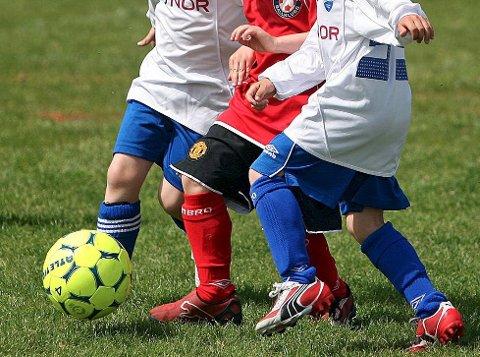 BARNEIDRETT: Tage Pettersen mener forholdene må legges til rette slik at alle barn skal kunne drive idrett.