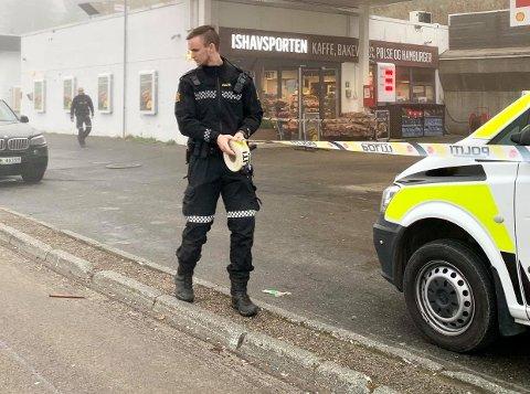 ÅSTED: Politiet sikret åstedet for ranet av Shell-stasjonen i Tromsdalen i morgentimene 2. oktober 2020.