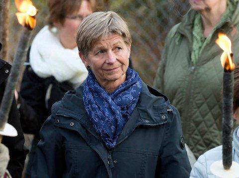 TAR MED GJØVIK-FORSLAGET: Astrid Millum ble invitert til fakkeldemonstrasjoen mot nedleggelse av Solås for snart et år siden. Nå har Gjøvik kommune kommet et annet forslag, og Millum lover at det skal tas med i prosessen mot å slå sammen to rehabiliteringsavdelinger.