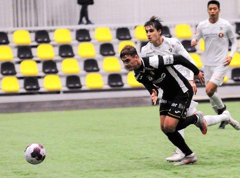 1-0: Teodor Berg Haltvik scoret sitt første mål i Raufoss-trøya da han sendte laget opp i ledelse mot Stabæk.