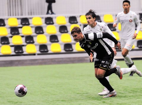 NYKOMMER: Teodor Berg Haltvik scoret sitt første mål i Raufoss-trøya da han sendte laget opp i ledelse i treningskampen mot Stabæk i februar. Nå venter endelig nye treningskamper.