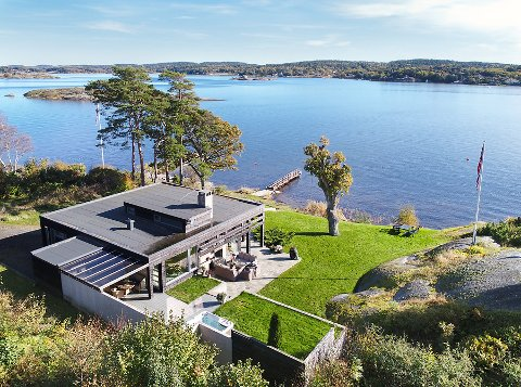 DYREST SIDEN 2016: Arne Nicander har solgt hytta på Lamøya. IT-gründer John Markus Lervik har lagt 15,5 millioner kroner på bordet.