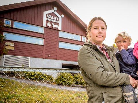 KJEMPER: Vi håper at noe annet enn økonomi kan styre hvordan barnehagene og skolene i Larvik skal se ut skriver Silje Johannessen (bildet) og Ole K. Nalum,  foreldre til barn på Valby skole og Valby barnehage.