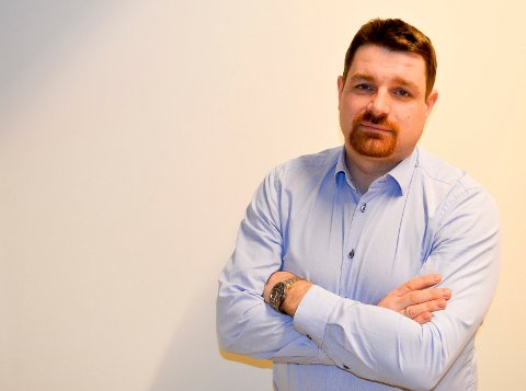 STØTTER: Ole Frode Mikkelsgår, Venstres førstkandidat støtter klima- og miljøminister Vidar Helgesen og håper på et nytt ulveforlik.  (Foto: Bjørn-Frode Løvlund)