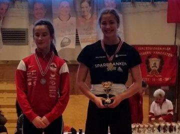 Gull og sølv: Kamilla Mogstad (16) imponerte i ungdoms- og junior-NM.
