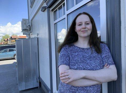 FÅR ANSVAR: Kelly Laila Badski er ansatt som restaurantansvarlig på Kafe K, etter at Frøland og kona i St. Joseph Panorama overtok serveringslokalene og scenen. Her skal de drive restaurant, konsertsted og selskapslokaler.
