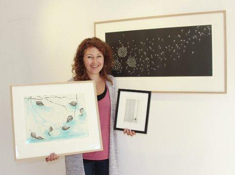 Utstilling: I tre helger fremover vises arbeider av grafiker Ellen Edminson i Galleri Midtstuen. Foto: Beate Sloreby