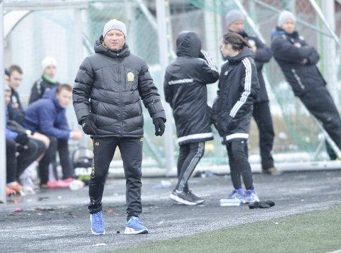 I GANG: Frode Hauge leder Stålkams A-lag i sesongens første offisielle kamp, når de møter seriekollega Junkeren i vinterserien på Fauske fredag. Foto: Gøran O. Pedersen