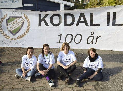 Jentene dominerer: Hanne Ramberg (f.v.), Tina Holm, Kaja Lund og Tove Anita Tveitan skal 13. juni sørge for en real folkefest i forbindelse med 100-årsjubileet til Kodal IL. Med i komiteen er også Svein Trollsås.Foto: Oddvar Børve