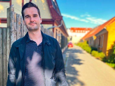 ETABLERT I KØBENHAVN: Ola Angeltveit (26) stortrives i København, hvor han har bodd i snart to år. Der er han etablert med både samboer, jobb og leilighet.