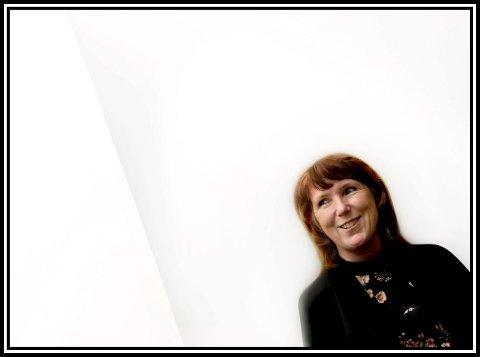 1 ADVOKAT: Kristin Morch (56) angrer ikke et sekund på at hun valgte jussutdannelsen. I dag er hun advokat og partner i Østfolds største advokatfirma; Ytterbøl & Co. 2 TERROR: Kristin Morch var bistandsadvokat for flere overlevende og pårørende fra Sarpsborg og Østfold for øvrig under rettssaken mot Anders Behring Breivik i 2012 3 POLITIET: Gjennom hele 90-tallet var Kristin Morch en profilert politijurist. Her er hun i samtale med advokat Knut Storberget, som senere ble en profilert politiker og statsråd for Arbeiderpartiet under et rettsmøte i Sarpsborg i 1997.ALLE FOTO: JARL M. ANDERSEN