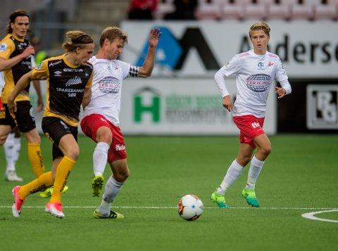 IMPONERTE: Thomas Rekdal (helt til høyre) gjorde seg ikke bort i oppgjøret mot Start.