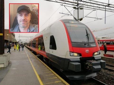 STANS: Dette toget skulle til Indre Østfold. Så langt kom det ikke. Derfor venter han på neste tog.