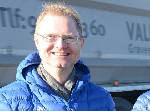 HØYT UT: Frp`s  medlem av Transport- og kommunikasjonskimte Tor Andrè Johnsen vet de gikk høyt ut med krav om helhetlig utbygging av RV4 til NTP, men er irritert på regjeringen som han mener ikke vil forhandle.