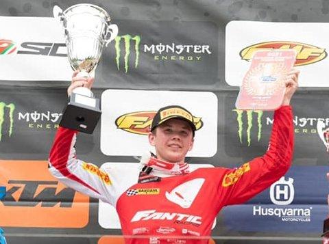FEM SEIRER PÅ ÅTTE LØP: Håkon Østerhagen har kjørt to runder i EM og to i det italienske mesterskapet. Det er to løp hver gang og fasiten etter åtte løp er fem seirer, en andre og to tredjeplasser.