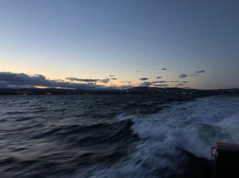 Redningsskøytene «Einar Staff SR» og «Klaveness Marine» var med i søket utenfor Nesodden onsdag kveld. Det samme var brannbåt, politibåt og helikopter.