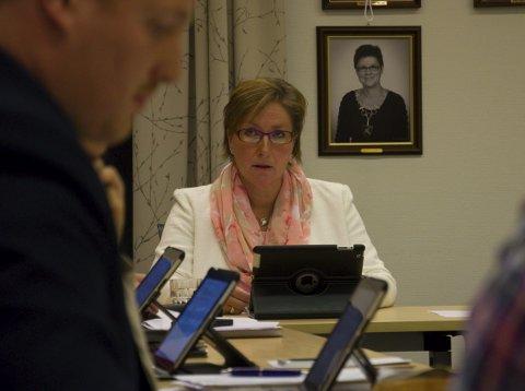 VEDTATT: Kommunestyret i Folldal med ordfører Hilde Frankmo Tveråen i spissen vedtok torsdag kommunens budsjett for neste år.foto: Tore Rasmussen Steien