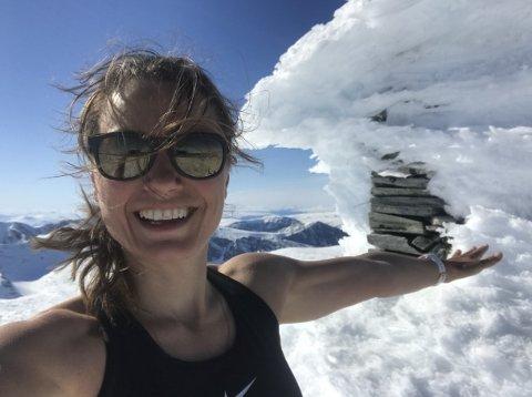 LØPER LANGT: Inger Haugland fra Folldal er glad i å flytte grenser. Forrige helg løp hun over 220 kilometer og nesten 57 timer i strekk i Rondane.