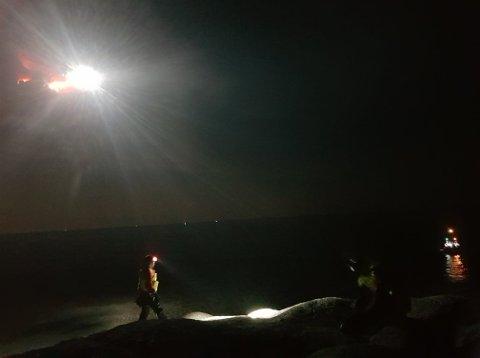 Fra nattens redningsaksjon i Brufjell, der Flekkefjord brannvesen deltok med 10 mann.