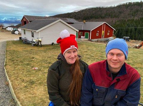 Satser: Marie Skogvold og Jan Tore Breive har investert sju millioner for å få seg ny og større gård. Hun skal eie og drive gården, mens han skal jobbe både på og utenfor den.
