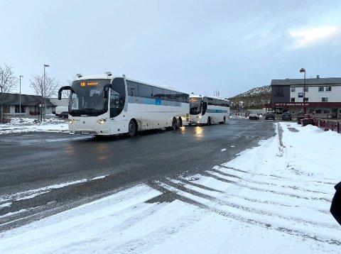 Feil vei: Innbyggerne i blant annet Hamarøy ønsker busser som går sørover fra Oppeid om morgenen, ikke motsatt vei fra Innhavet.