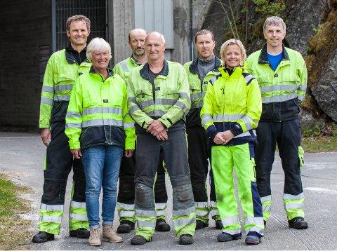 Siso Energi: Bak fra venstre. Roald Amundsen, Andre' Westgård, Ole Kristian Moen og Bjørn Ove Knutsen. Foran fra venstre. Kari Luneng Post, Børre Mathisen og Cecilie Risvoll Amundsen. Steinar Karlsen var ikke til stede da bilde ble tatt.