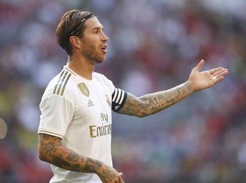 Real Madrid er hardt rammet av skader og suspensjoner før bortekampen mot PSG. Krumtappen i Real Madrid-forsvaret, Sergio Ramos, er en av dem som ikke spiller.