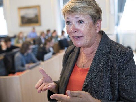 VIL STØTTE: Høyres Hilde Onarheim er leder i helse- og sosialutvalget. Hun støtter planene om skjenking på Torgallmenningen. FOTO: BA
