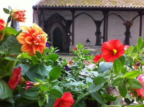 Lokale utstillere: På klostermarkedet vil lokale produsenter utstille alt fra mat og aloe vera til kalligrafi og smykker.