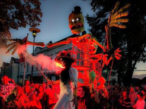 FESTIVALER I NORGE: Den norske sommeren fylles hvert år med festivaler i det ganske land. Her fra åpningen av Porsgrunn internasjonale teaterfestival.