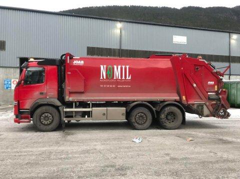 BRANN: Det var ein bossbil som dette der det tok fyr i avfallet under bosshenting i eit byggefelt i Stryn.