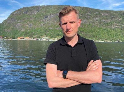 GÅR TIL SJEFSSTOLEN: Arve Uglum blir ny redaktør i Sogn Avis.