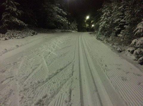 TORSDAG: Det er kjørt opp skispor mellom Veum og Skihytta