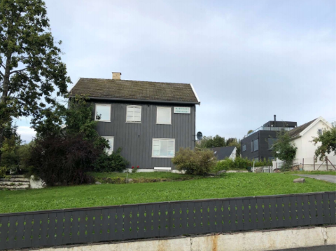 Mjøsblikk har vært brukt som hybelhus. Nå planlegges et leilighetsbygg på stedet.