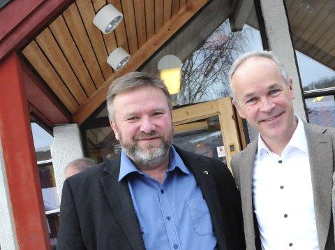 KONKRETE KRISEPAKKER: Stortingsrepresentant Bengt Fasteraune ber gudbrandsdølene om innspill til hvordan små- og mellomstore bedrifter kan hjelpes gjennom koronakrisen. Her er han sammen med finansminister Jan Tore Sanner.