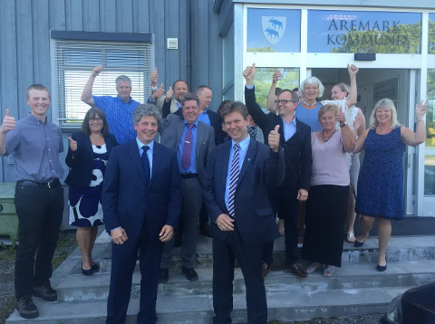 Det er liten tvil om at politikerne i Aremark er fornøyde. (Foto: Hans Petter Kjøge)