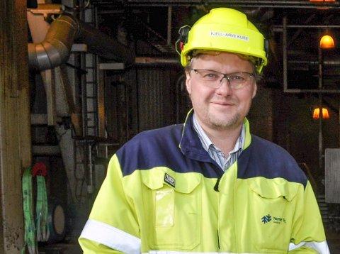 FORNØYD: Fabrikkdirektør Kjell Arve Kure føler seg trygg på at arbeidsplassene blir sikret.